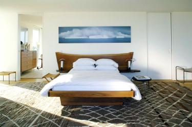 Деревянная кровать как средство улучшения самочувствия. Детские, двухъярусные, двуспальные — особенности использования и выбора