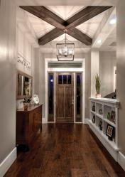 Деревянный потолок с декоративными балками: 165+ (Фото) дизайна и отделки