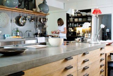 Столешница из камня — меняем интерьер кухни. Особенности применения