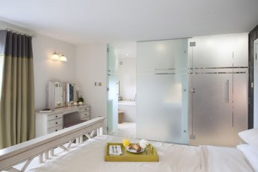Столик для Завтрака в постель своими руками: Практичные модели для комфорта