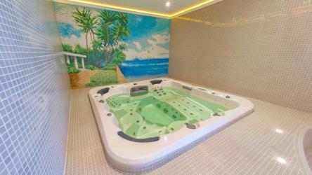 Особенности дизайна ванны с джакузи в интерьере дома и квартиры (120+Фото). Доступная роскошь с пользой для здоровья. Что нужно знать?