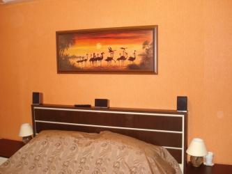 Как оформить пространство в спальне над кроватью: размещение картин по фен-шуй. 170+(Фото) ярких и стильных акцентов