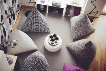 Пуфики для разных комнат как оригинальный предмет интерьера – варианты, советы, 235+ (Фото). Роскошное и практичное дополнение